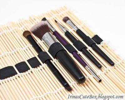 Makeup brush holder made from a bamboo placemat / sushi mat ~ great gift idea    via http://irinascutebox.blogspot.com.au/2013/02/how-to-make-brush-organizer.html