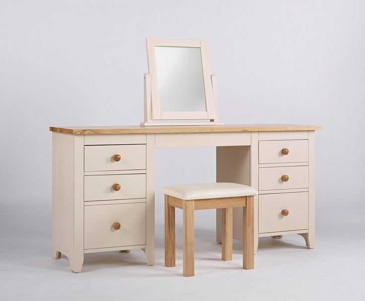 http://www.bonsoni.com/camden-dressing-table-mirror  This Bonsoni Camelford Dressing Table Mirror - Painted Pine and Ash Furniture's EAN code is 0790683115091 and the weight of this product is 6.00kg.  http://www.bonsoni.com/camden-dressing-table-mirror