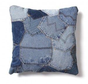 Kussen van gerecyclede jeans achterzakken – 45x45 cm