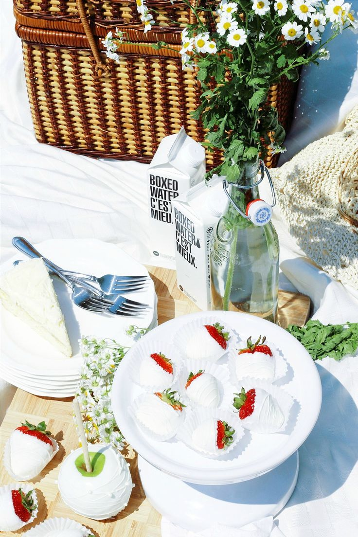 """Dîner en Blanc: The Exceptional """"Dinner in White"""" Comes To Ottawa This Summer"""