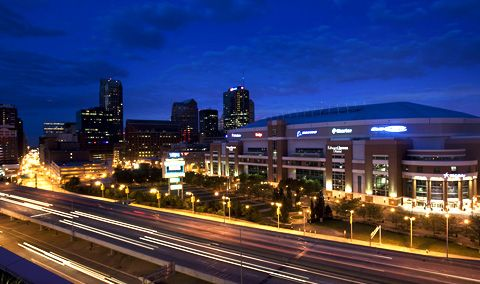 When your meeting needs dictate lots of space and lots of options, the Edward Jones Dome at America's Center has &helip;