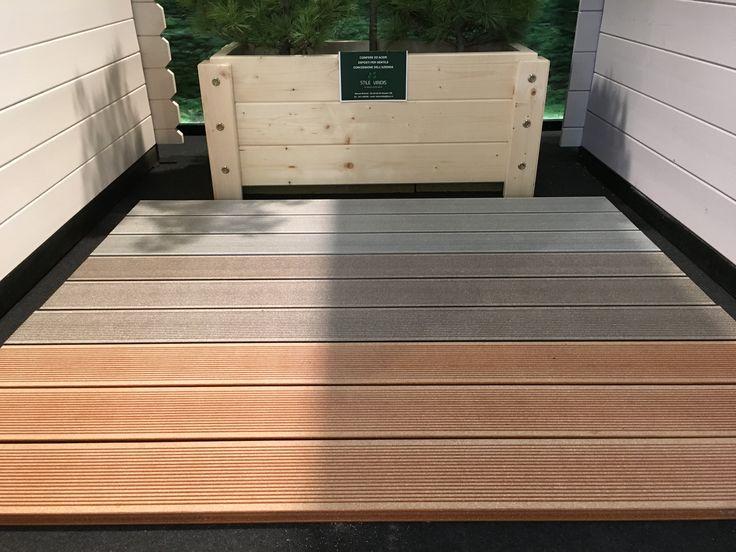 Pavimentazione in legno per esterno.