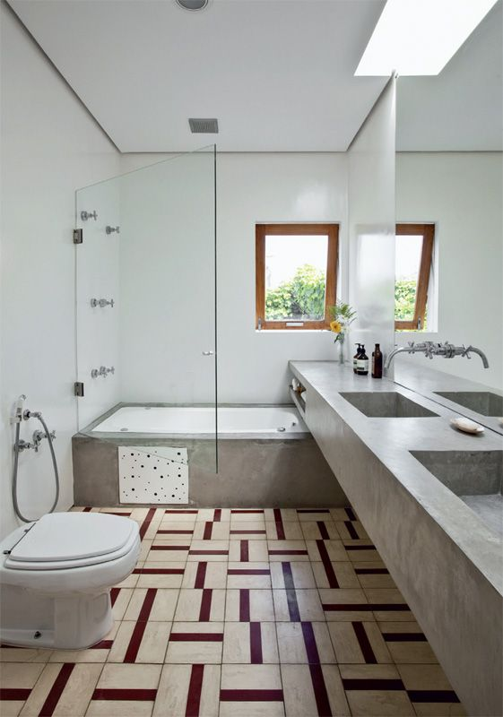 Casa com integração total e grandes fachadas de vidro - Casa