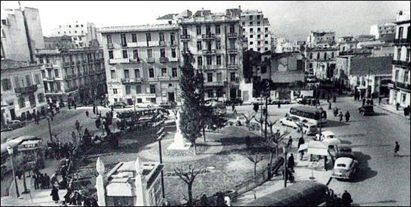 Η πλατεία Κάνιγγος πριν να τη διχοτομήσουν.