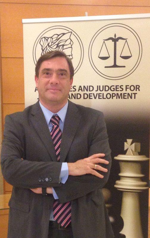 Στο συνέδριο για τη διαφθορά και την οικονομική ανάπτυξη