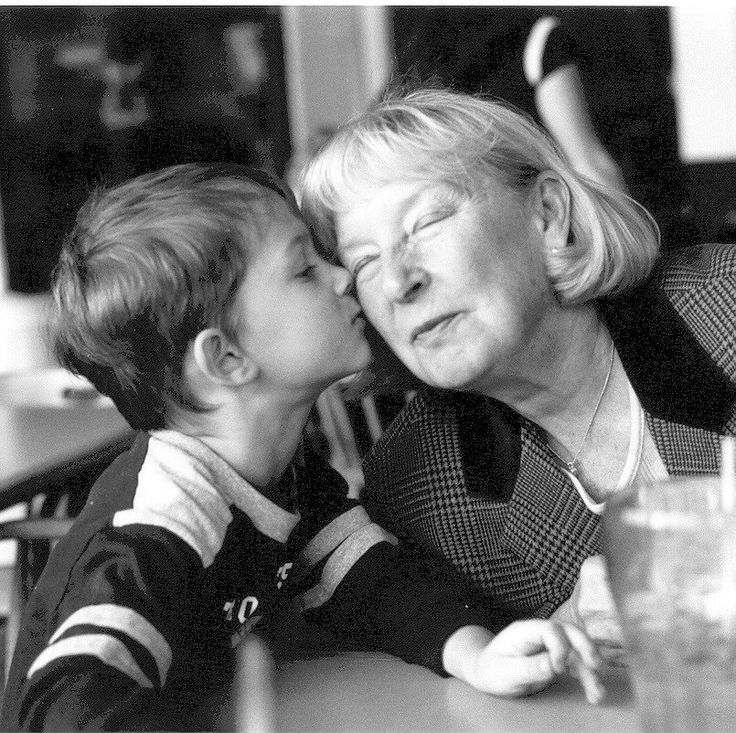 Why Your Child Should Never Be Forced to Hug a Relative | POPSUGAR Moms...To spare a relative's feelings, many of us will urge a small child to endure or even return this unwanted physical contact. But should we? What messages are we sending to our kids about their body boundaries when we do this?