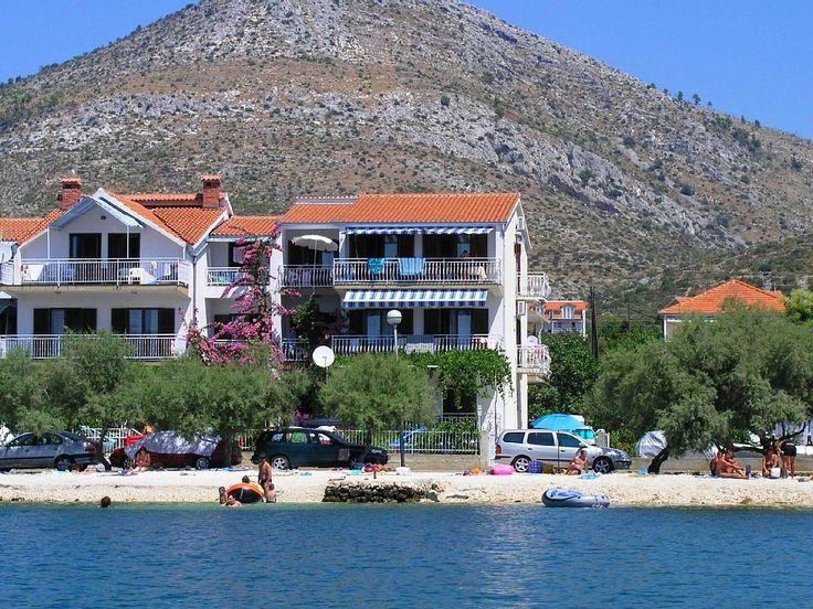 Location vacances villa Trogir: Villa Rozana - Vue de l'extérieur de la villa et les milieux naturels
