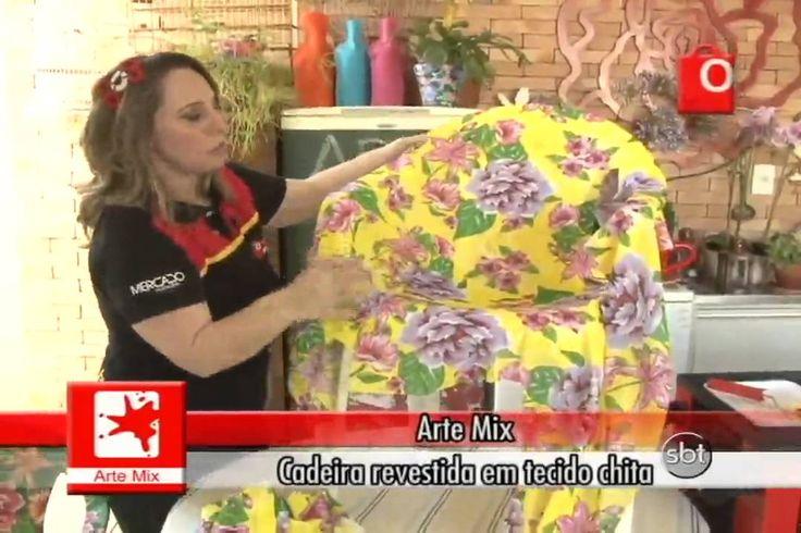 ARTE MIX CADEIRA REVESTIDA EM TECIDO CHITA