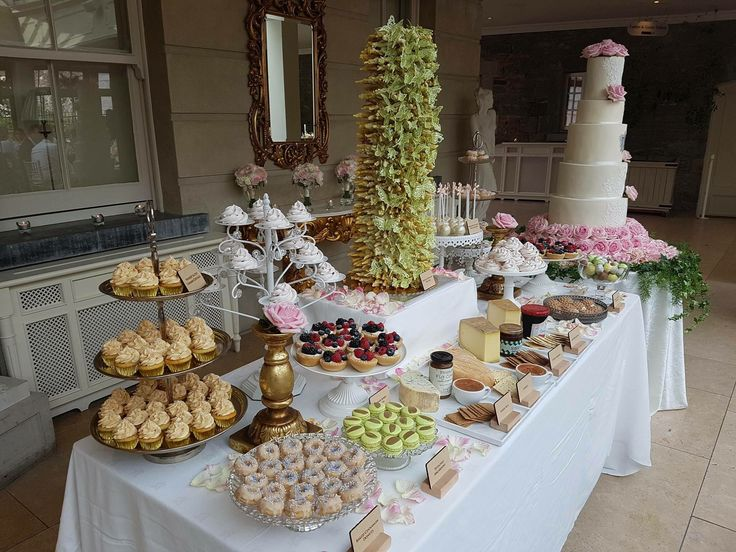 Desert buffet for wedding