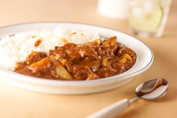 欧風カレーの王道、ビーフとマッシュルーム。リッチな素材からの旨味と、かくし味もきいて、極上の味に仕上がりました。ビーフとマッシュルームのカレー/中島 和代のレシピ。[エスニック料理/カレー]2002.09.02公開のレシピです。