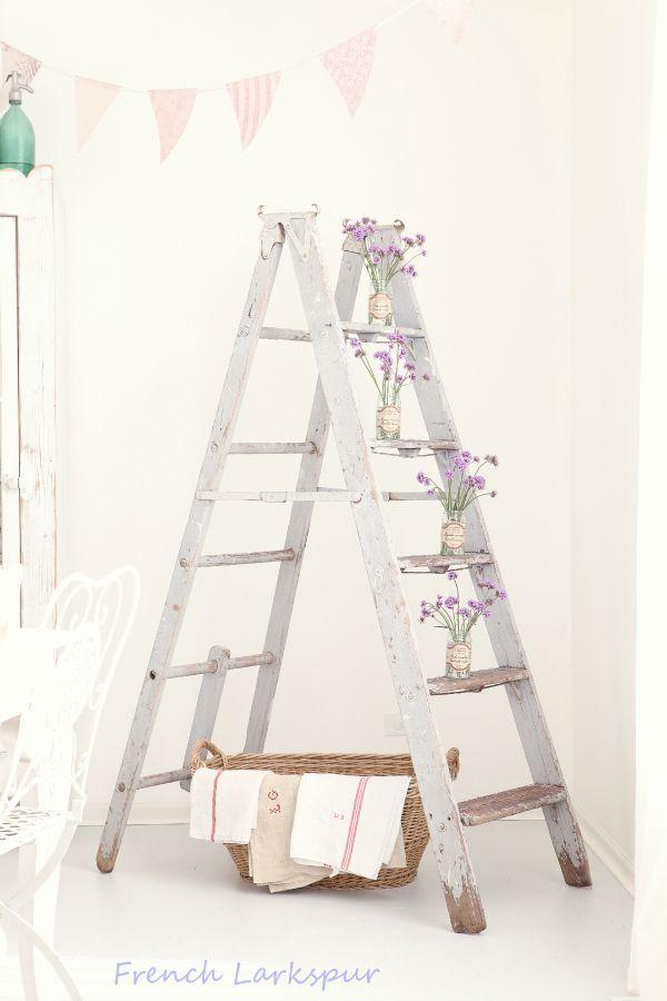 Vintage wooden ladders old ladder decor chelles en bois for Echelle decorative bois