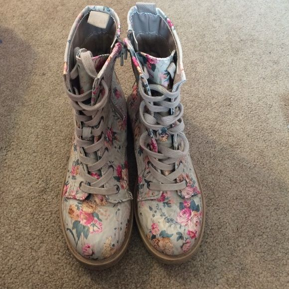 Big Buddha Floral Combat Boots Great condition floral combat boots. Only worn once or twice. Willing to negotiate. Big Buddha Shoes Combat & Moto Boots