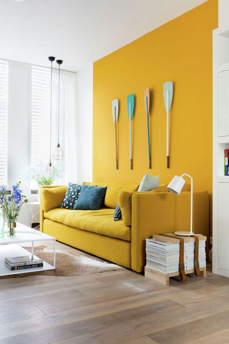 Gonneke en Robert hebben een warm interieur gekregen gecombineerd met kleuren uit de zee. De gele kleur is onze kleur Verguld.