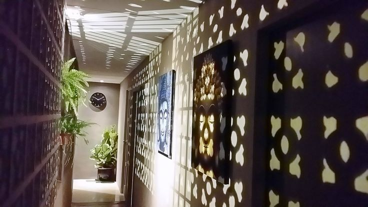 Where's the rub? Try gay-owned Owlpalms Spa spa for men in Johor Bahru. Find them at http://www.utopia-asia.com/johomasa.htm