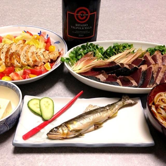 冷や奴は、ミョウガと小葱をのせて、鮎魚醤でいただきました。 夫の作った晩ご飯です(^-^) - 5件のもぐもぐ - 鰹のタタキ。鶏のガーリック焼き。稲庭うどん。冷や奴。鮎の塩焼き。 by orieueki