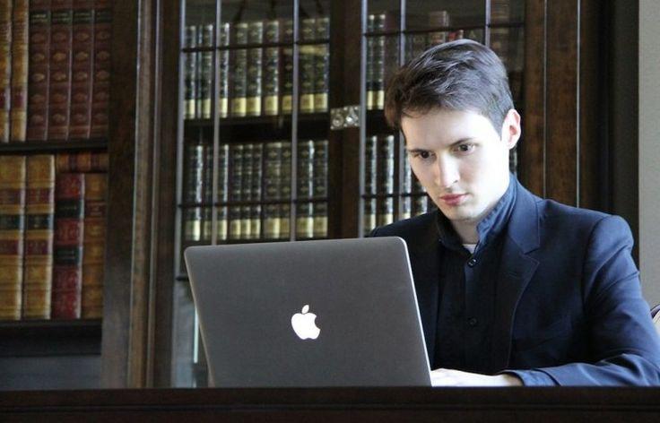 FBI طلبت من تيليغرام التجسس على المستخدمين  كشف مؤسس تطبيق تيليغرام للدردشة Pavel Durov عن طلب مكتب التحقيقات الفيدرالي الأمريكي FBI بتأسيس باب خلفي في التطبيق لتسليمها بيانات مستخدمين محددين يشتبه بصلاتهم في أحداث إرهابية على حد قولهم.  وبدأت المطالبات منذ عام 2014 عندما باع Durov حصته في موقع Vkontakte الروسي وبدأ بتأسيس تيليغرام. حيث أصبحت الأسئلة الموجهة إليه على الحدود الأمريكية أثناء دخول البلاد تتعلق بالتطبيق وآلية عملته وكيفية إمكانية تواصل عملاء FBI معه مستقبلا.  كما تواصل FBI معه…