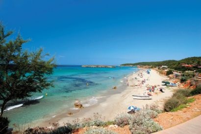 Google Image Result for http://www.bookableholidays.com/images/country/balearics/menorca/santotomas/fantastic-beach-in-santo-tomas.jpg