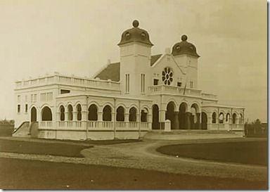 Bangunan Bersejarah di Indonesia yang Telah di Hancurkan