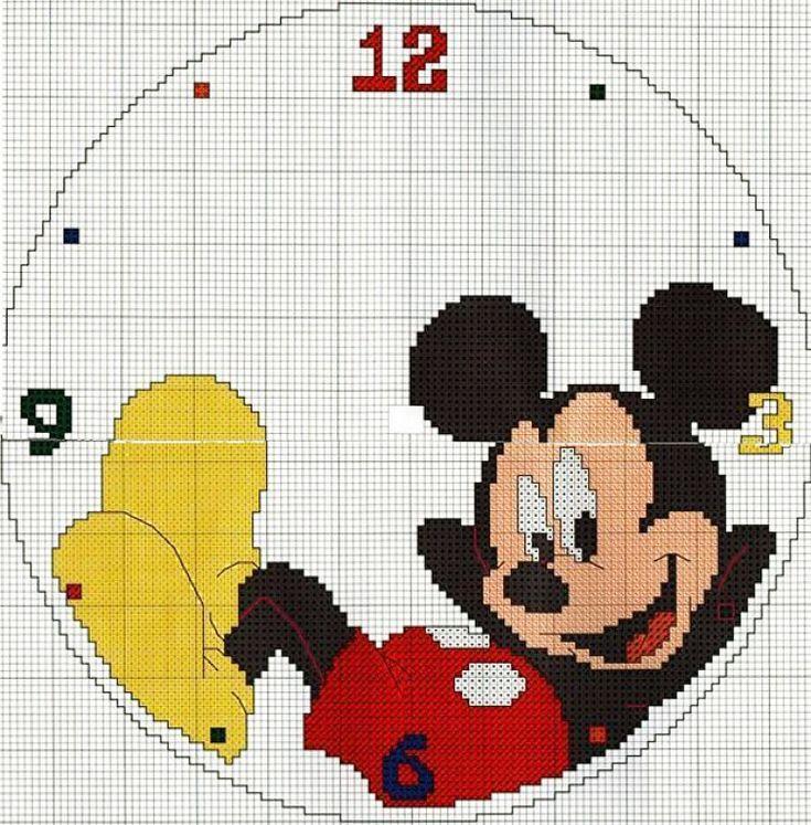 Reloj Mickey Mouse tumbado.Gráfico en color (7 colores) punto de cruz y lineal