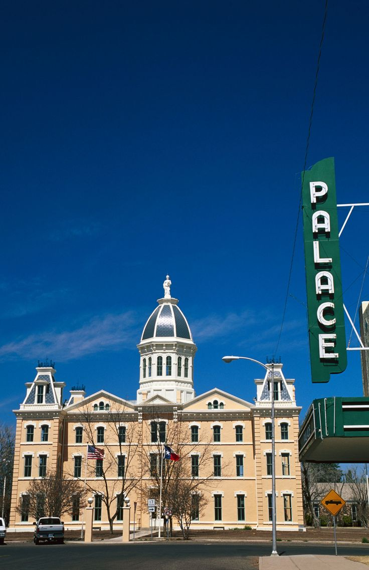 18 Of The Most Charming Small Towns Across America Autos