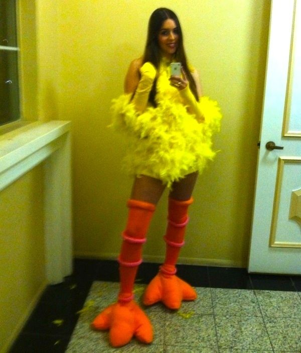 DIY Big Bird Costume - Pinning for how she made the feet; I need feet for my Loftwing cosplay!