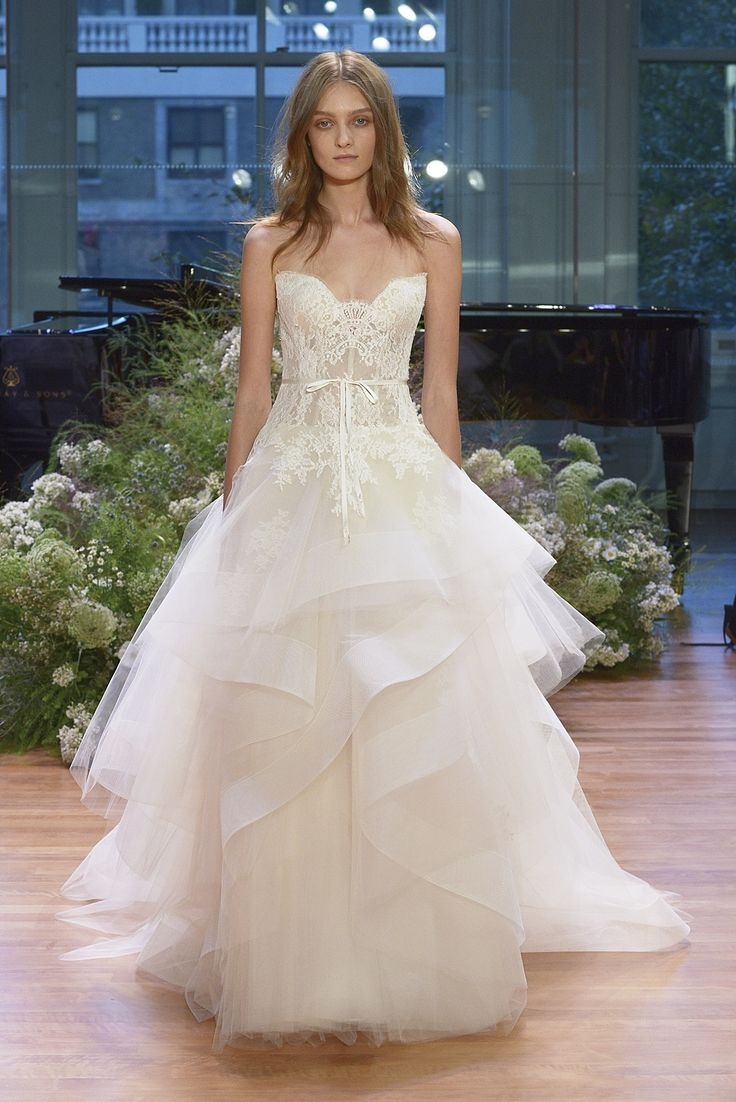 387 best { Glam Gowns } images on Pinterest | Wedding dressses ...