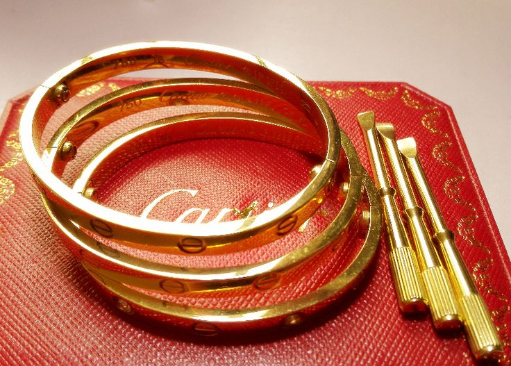 Cartier love bracelet,cheap price and good quality on: www.ourcartier.com