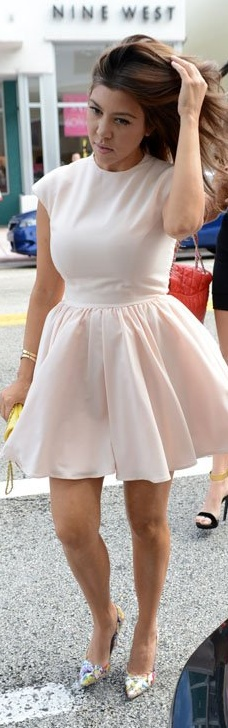 Who made Kourtney Kardashian's yellow handbag, pink dress, and print pumps that she wore in Miami?