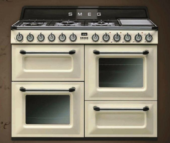 #Smeg || Unf this stove is gorgeous. I want one sooooo bad <3
