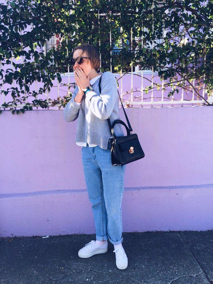 Outfit #minimal #greysweater #superga #boyfriendjeans