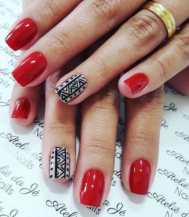 WEBSTA @ jehhdossantoss - Vermelho divo.#ateliedaje #unhasdivas #agenteama #perfeita #nailslove #decoradasamao #artnails #amamos #vempraca #vidrinhosmagicos