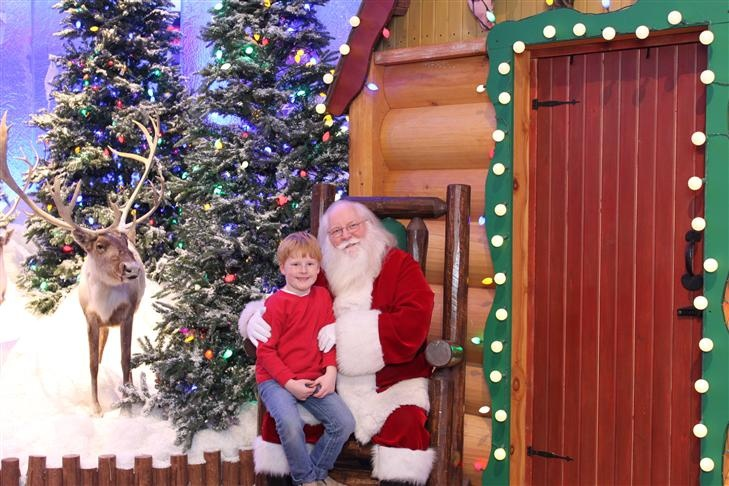 Bear with Santa at Bass Pro 2012.