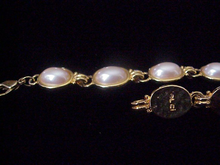 Pearl Bracelet by Liz Claiborne© by JennieJamesResale on Etsy