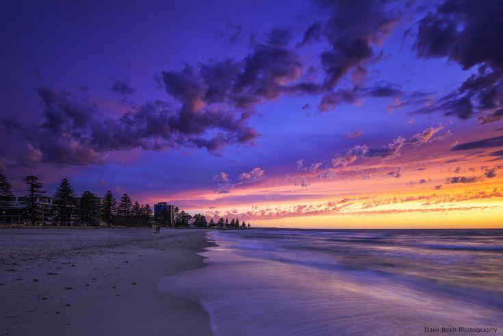 http://davebirchphotography.com.au/wp-content/uploads/2015/08/Glenelg-Beach-Sunset.jpg