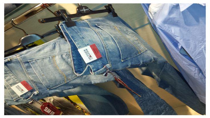 Jeans Tommy Hilfiger. #tommy #hilfiger #tommyhilfiger #cerromaggiore #milano #expo