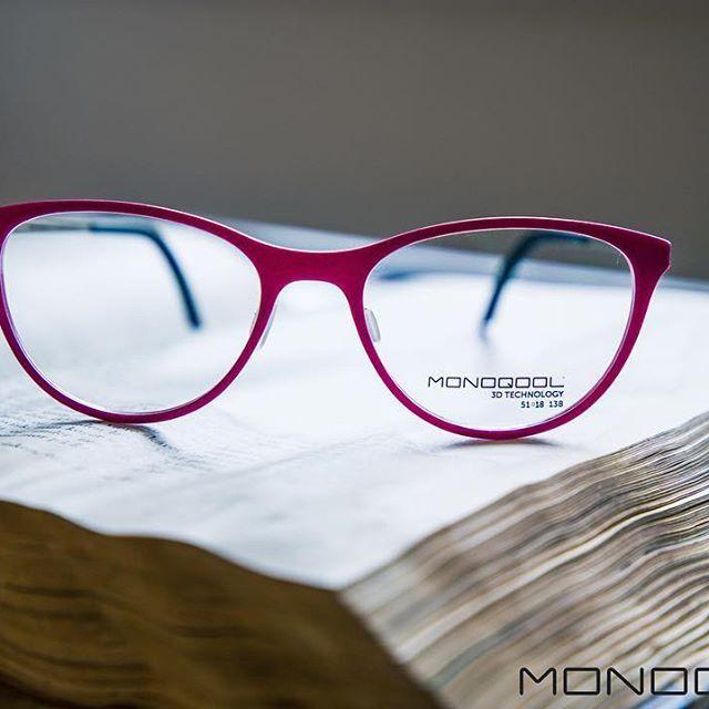 It's a KINDA KUTE pink  #pink #kindakute #monoqool #glasses #eyewear #danishdesign #madeindenmark #innovation #3dprinting #tailormade #book