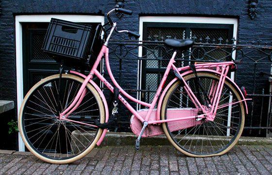 Розовый велосипед