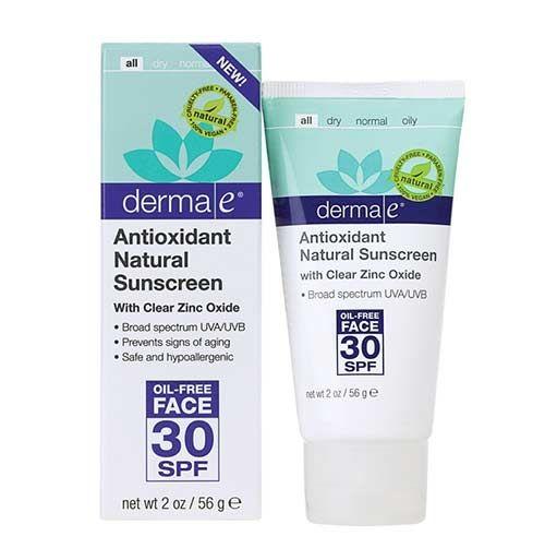 Derma E Antioxidant Natural Sunscreen SPF 30 Oil-Free Face Lotion 56gr | 87,55 TL | Dermoeczanem de. Cildi zararlı UVA ve UVB ışınlarından, çevresel etmenlerden korur. Cilt tarafından kolaylıkla emilir ve yapışkan his bırakmaz. Cildi nemlendirerek besler. #dermae #güneskoruyucu #guneskrem #ciltbakım #dermokozmetik