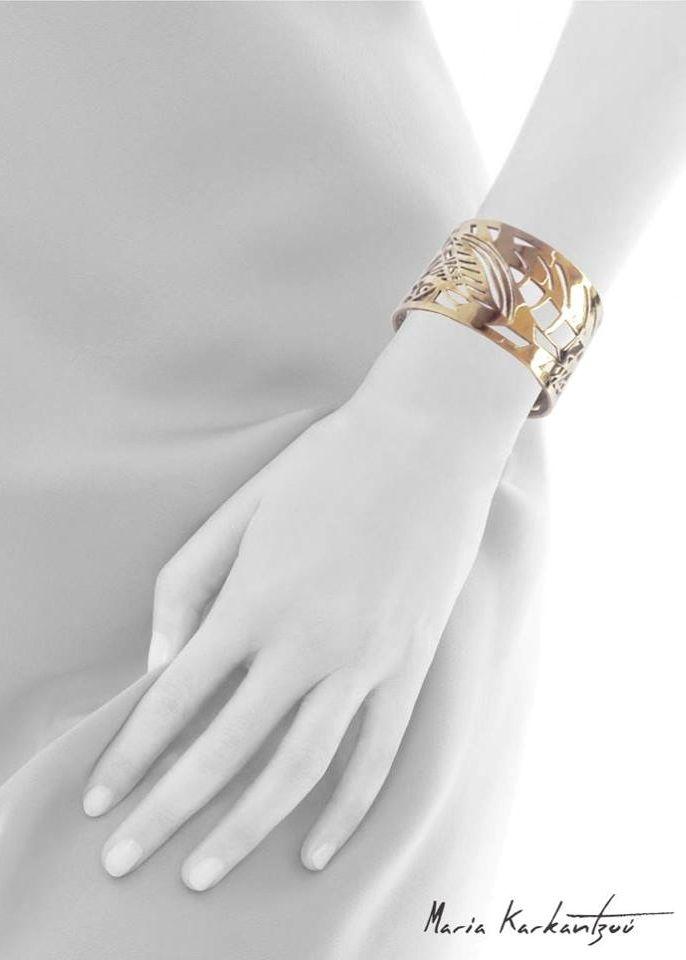 Physis bracelet designed by Maria