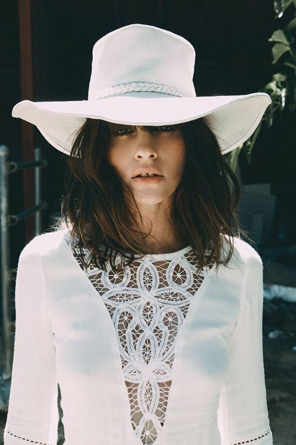 arnhem lookbook // white hat and  lace dress