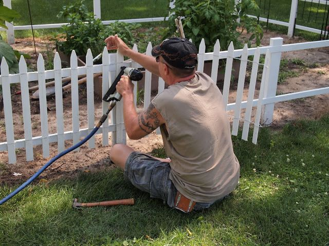 My Renovated Farmhouse How To Build A Picket Fence Diy Landscaping Picketfence