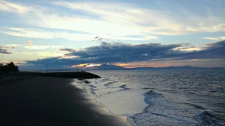 Manso y lindo amanecer en Puntarenas