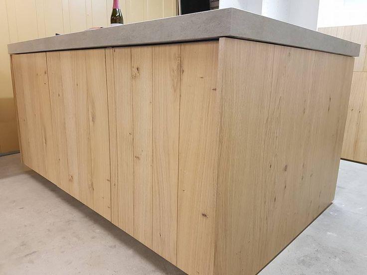 Keukendeurtjes van hout en betonnen blad voor ikea keukens