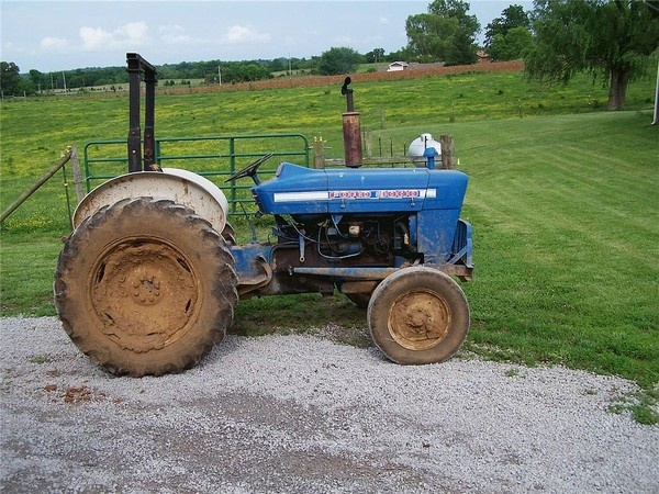 Ford 3000 Tractor Duals : Best images about blue ford tractors on pinterest