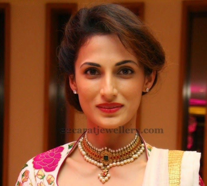Jewellery Designs: Shilpa Reddy Ruby Temple Necklace