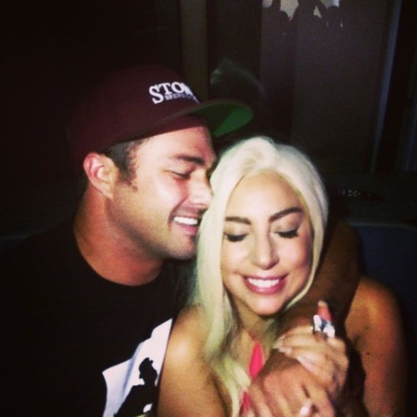 Taylor Kinney Serenades Lady Gaga at Garth Brooks' Comeback Concert?See the Adorable Picture!