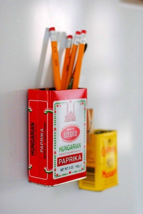 magnetic upcycled storage tins add to fridge to put pens etc in http://decoratorsnotebook.wordpress.com/2013/04/14/15-minute-make-magnetic-storage-tins/