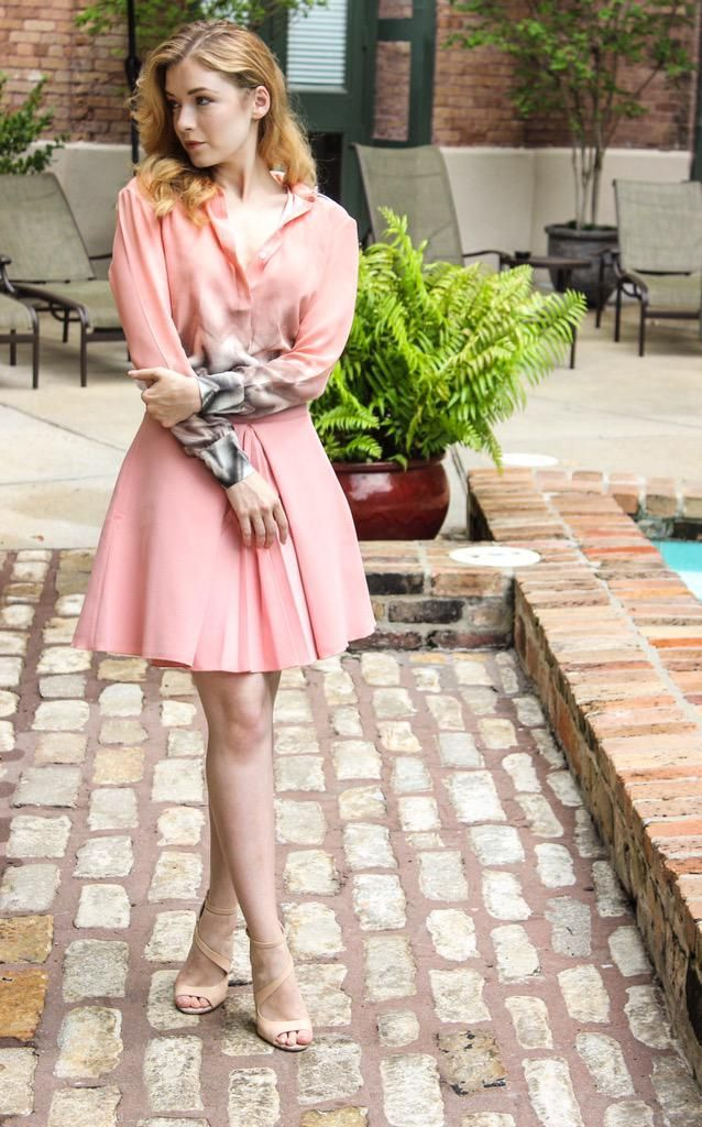 Sarah Bolger: ‏@SarahBolger I love this look!! @hardingegeorgia Xx #NOLA #press