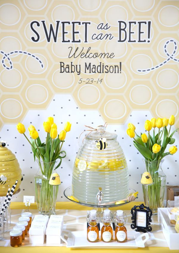 Looking for a great gender neutral baby shower idea? Sweet as can BEE Baby Shower! Super cute ideas!