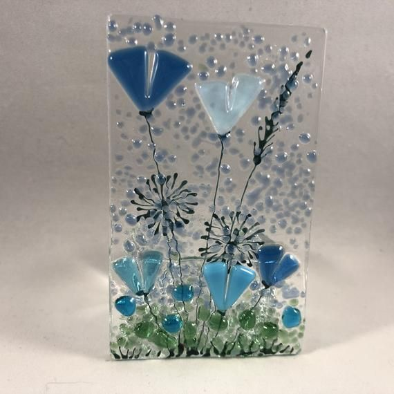 This Is A Clear Glass Plaque Approximately 10cm X 6cm Featuring